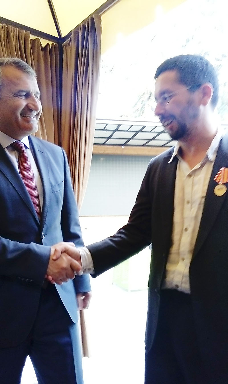 "President of the Republic of South Ossetia Anatoly Bibilov awarded head of the project ""Middle East - North Caucasus: cultural policy in strengthening the interethnic peace and interreligious accord"" Mikhail Chernov with the ""Ten Years of Victory"" medal in honor of the anniversary of the recognition of the RSO by the Russian Federation"
